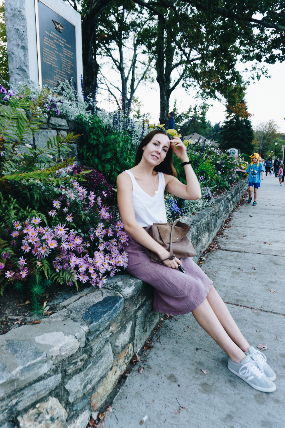 downtown blowing rock nc blue ridge mountains travel fashion outfit rgdaily blog