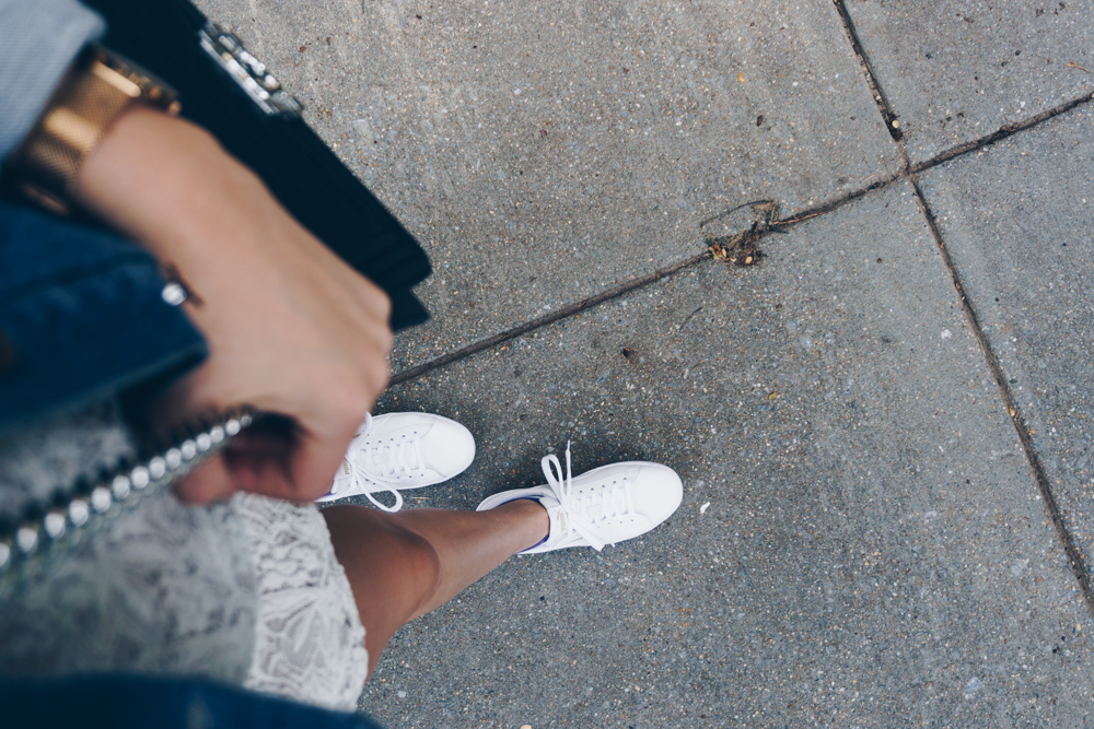 white sneakers outfit fall fashion rgdaily blog