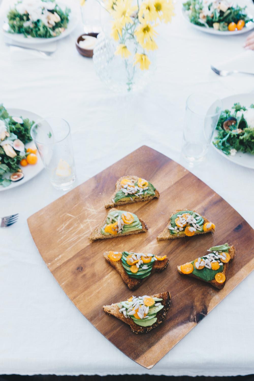 avocado toast recipe fig salad healthy lunch rgdaily blog