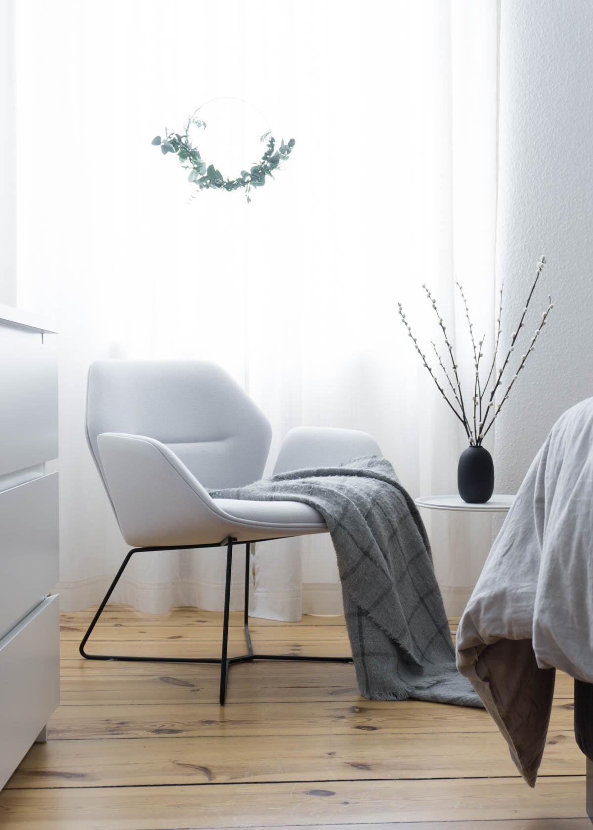 Scandinavian Christmas Eucalyptus Wreath Cozy Bedroom Details Rg Daily