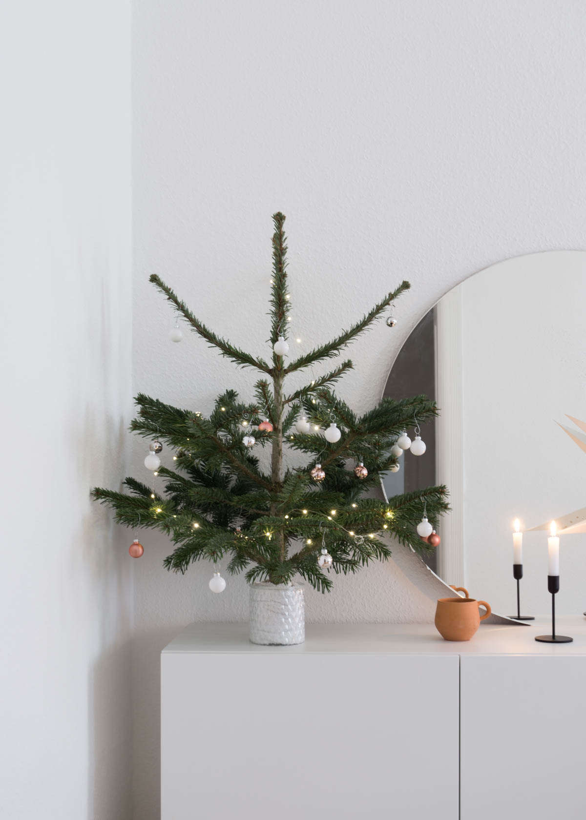 Scandinavian Christmas.Scandinavian Christmas A Charming Little Tree Rg Daily
