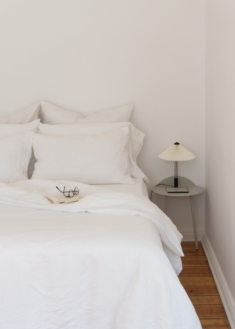 Dreamy Linen Bedding By Bedfolk Rg Daily