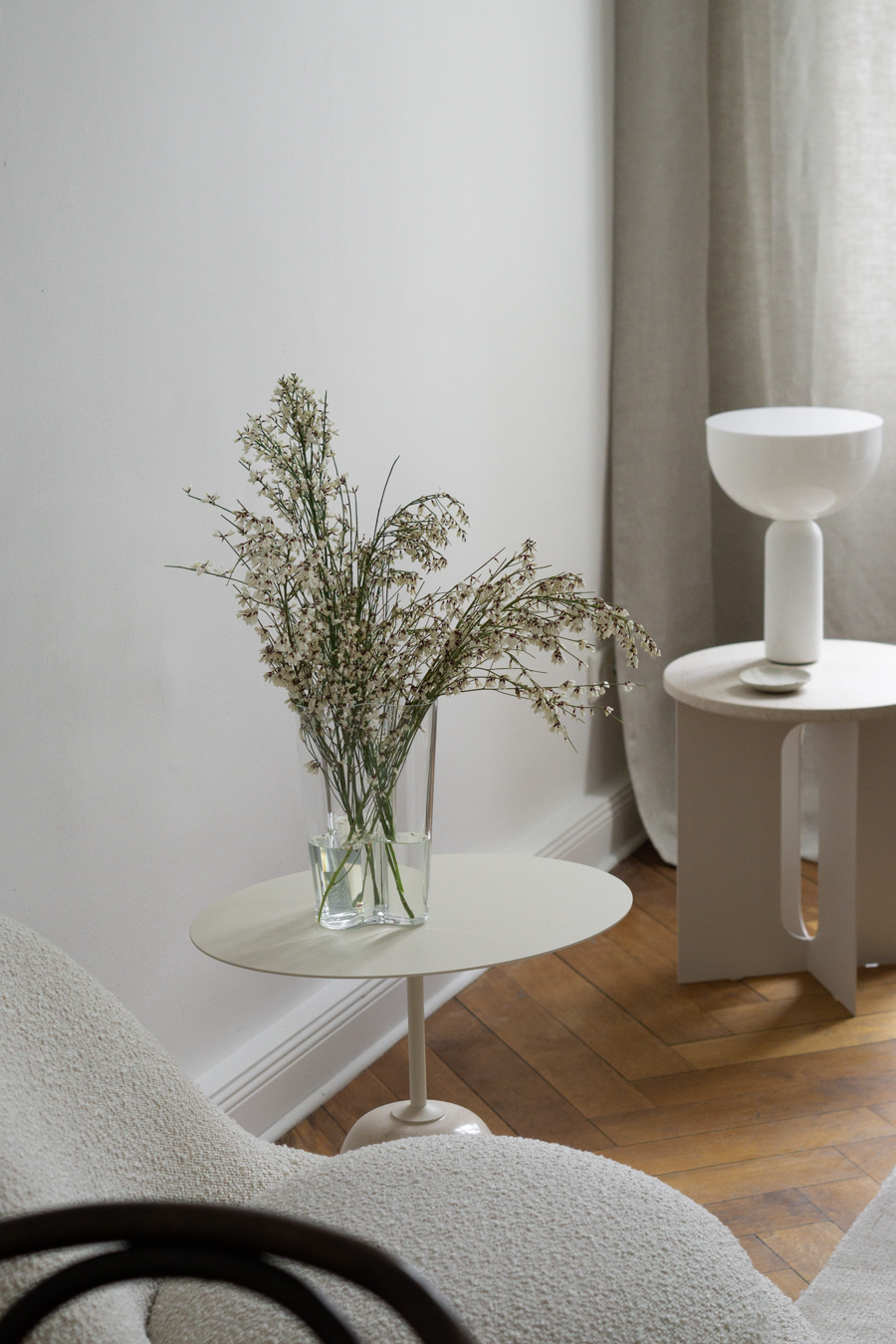 Beige Interior Design, New Works Lamp, &Tradition Table