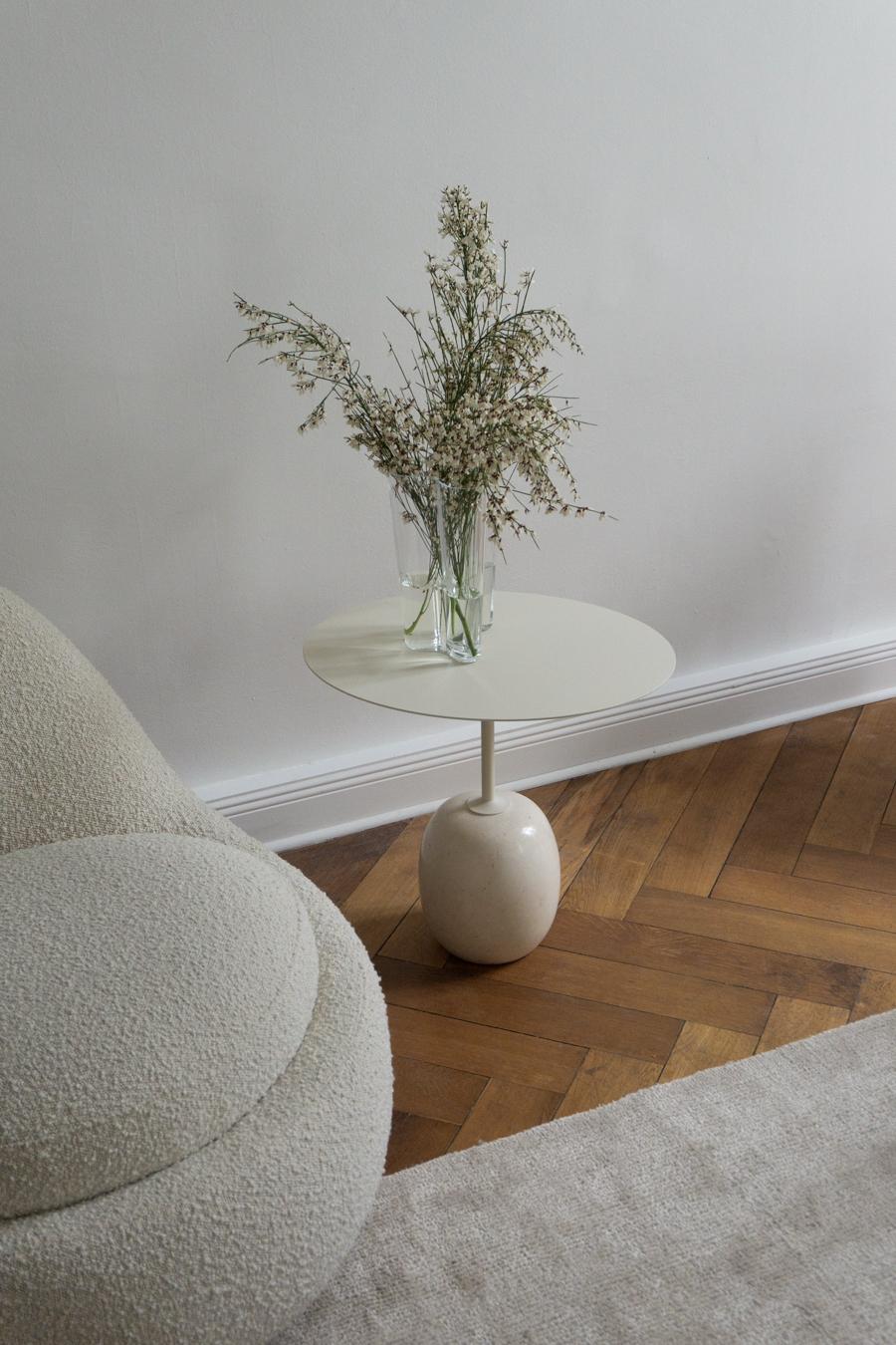 &Tradition Latto Table, Beige interior